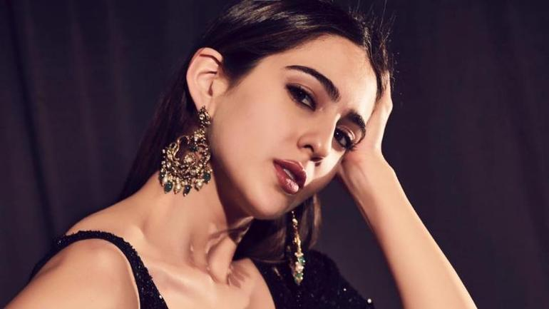 Sara Ali Khan is the Hot Youngest Bollywood Actresses