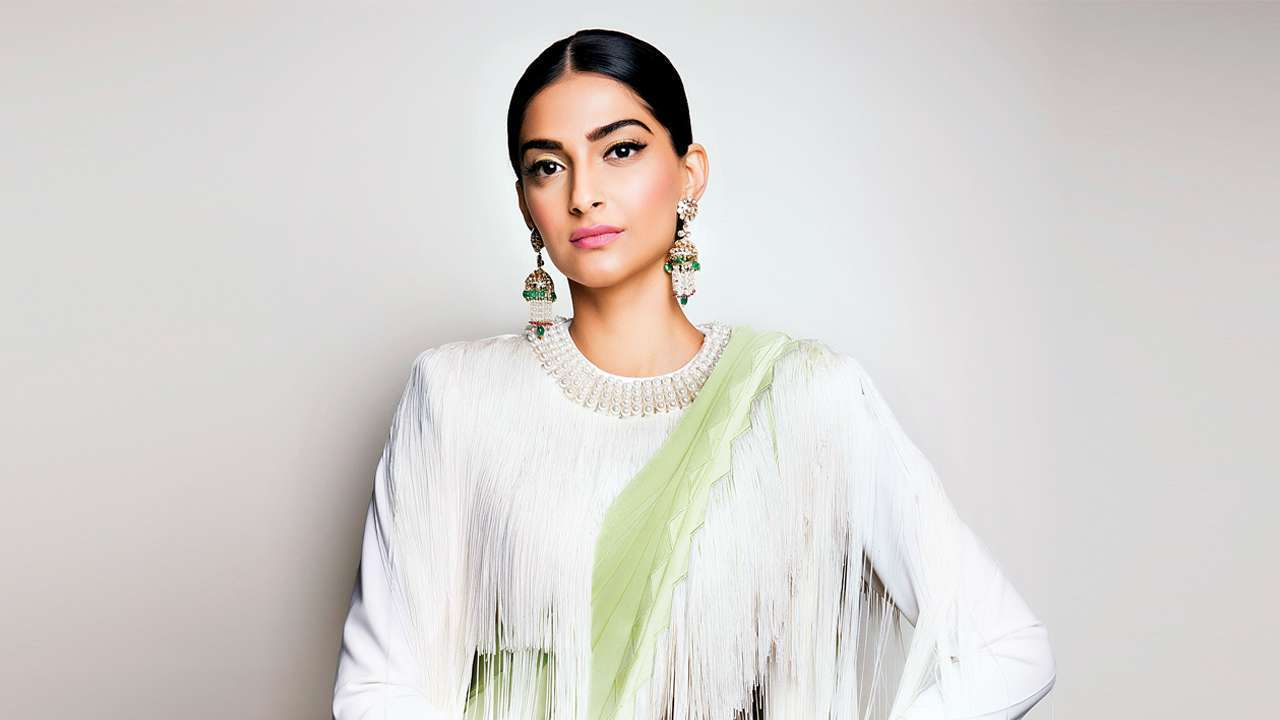 Sonam Kapoor Indian Women