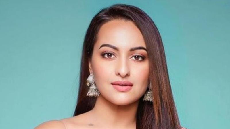 Sonakshi Sinha is in Top 10 worst actress in bollywood list