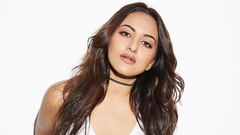 Sonakshi Sinha is the Highest Paid Item Girls In Bollywood
