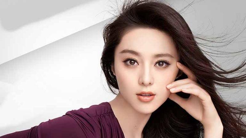 Nozomi Sasaki is one of the Top 10 Beautiful Japanese Women