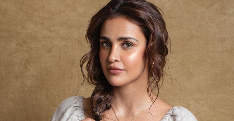 Aisha Sharma is one of the most beautiful actresses of bihar