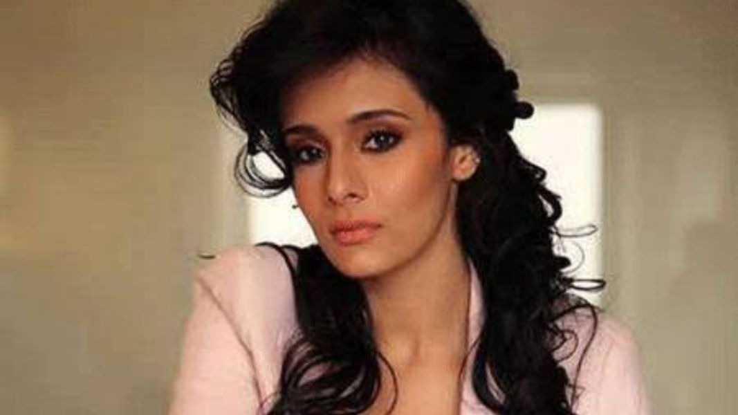Mayanti Langar is most beautiful Indian Cricketer's Wife of Stuart Binney
