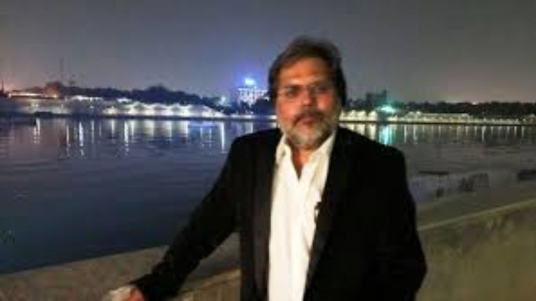 Punya Prasun Bajpai is the top 10 Best & Most Popular News Anchors in India