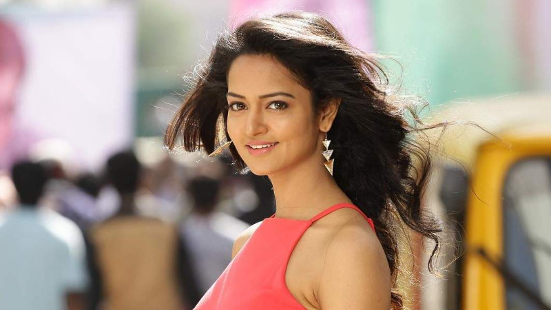 Shanvi Shrivastava is one of the Top Best 10 Heroines of Kannada Film Industry