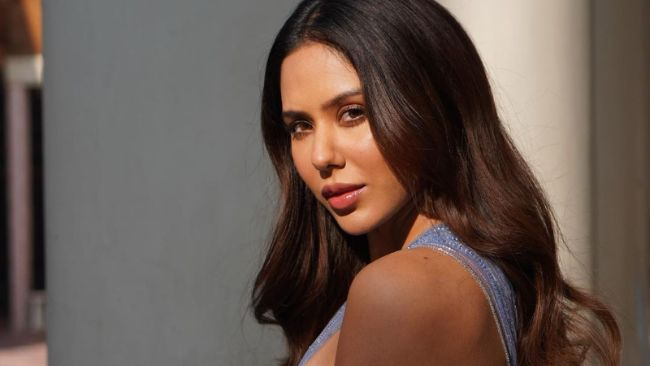 Sonam Bajwa is one of the Most Beautiful Punjabi Actresses